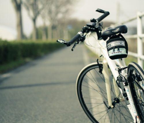 ながらスマホの事故 自転車保険以外にも対応できる保険がある?!